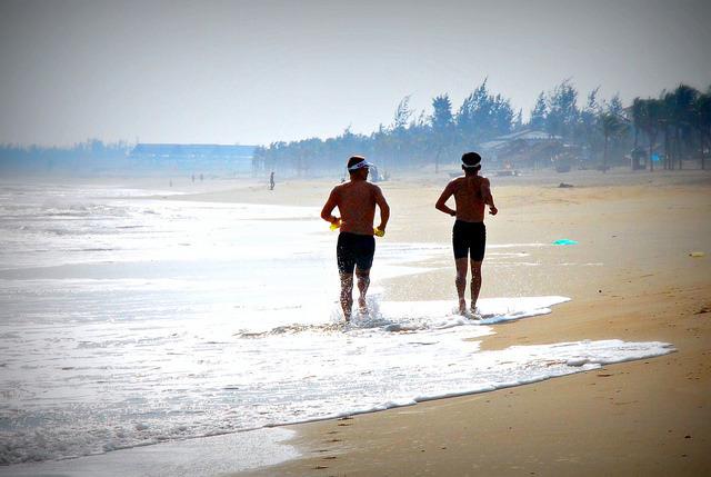 BEACH RUN.jpg